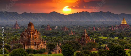 Fototapeta Ancient temple archeology in Bagan after sunset, Myanmar temples in the Bagan Archaeological Zone Pagodas and temples of Bagan world heritage site, Myanmar, Burmar