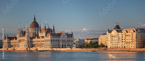 Fototapeta View on the Hungarian Parliament in sunset