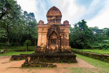 Vietnam, Quang Nam Province, Ancient Tomb In Ruins Of My Son Complex