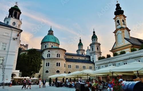 Obraz na plátně Salzburg, Mozartplatz mit Dom, Residenz, St. Michael