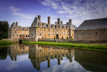 Chateau Le Rocher-portail, Cas...