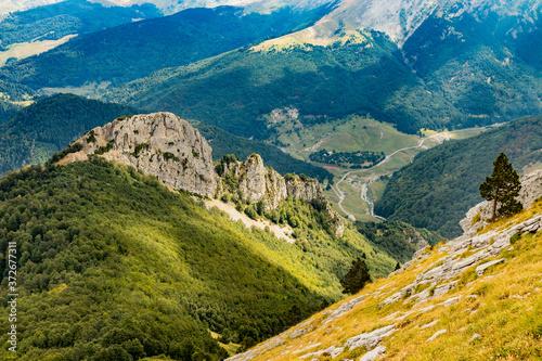 Parajes durante la subida al monte Ezkaurre/Ezcaurre situado entre navarra y huesca