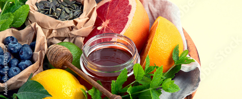 Foto Healthy products for immunity boosting