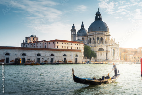 Fototapeta Gondola and Basilica Santa Maria della Salute, Venice, Italy