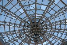 Huge Lustra Hanging On Malls C...