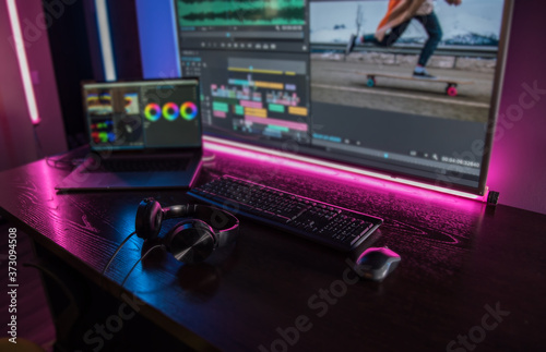Obraz Video editing. Video production. Color Correction. Sound editing. Film making. The work of a freelancer. Equipment filmmaking. Create videos. Program for video editing.	  - fototapety do salonu
