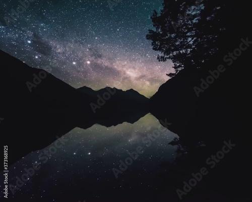 Slika na platnu New Zealand has wonderful landscapes, fauna, waterfalls, volcanoes and trees
