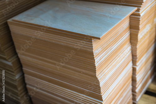 Foto A stack of ceramic tiles for a floor or wall