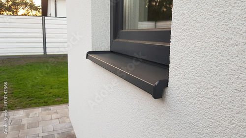 Papel de parede metal sill on window exterior, gray metal windowsill exterior