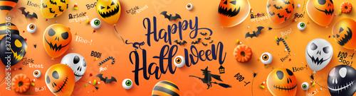 carte ou bandeau sur happy halloween écrit en noir sur un fond orage avec des Fototapete