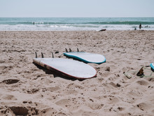 Tablas De Surf En La Arena Baj...
