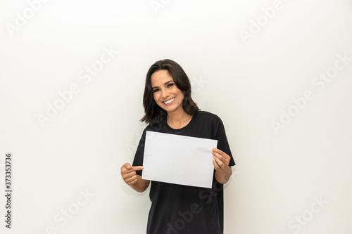 Fotografia Folha de papel em branco para mensagem