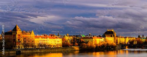 Canvastavla The Golden City of Prague