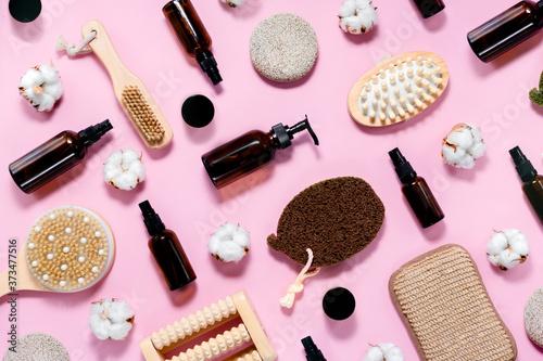 Obraz na plátně Spa and bath set on abstract pink background