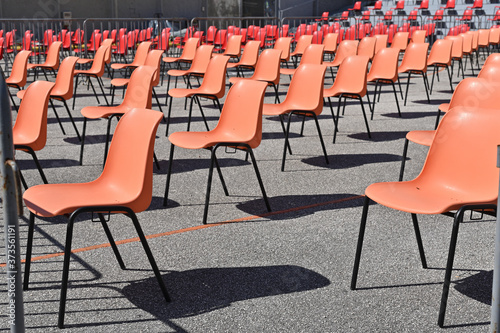 Fotomural chairs in rows