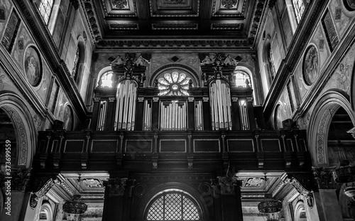 Órgão da basílica de Nossa Senhora de Nazaré, em Belém do Pará. Fototapeta