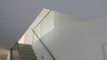 Treppenhaus Eines Modernen Ein...