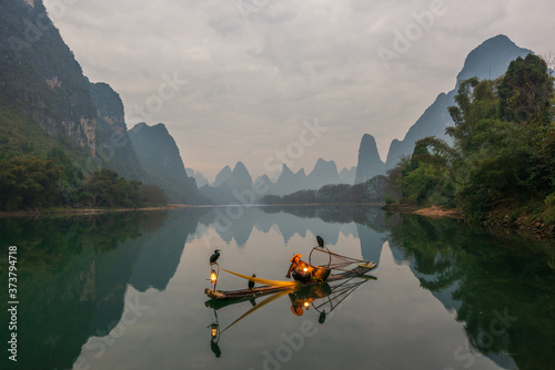 Canvastavla Chinese traditional fisherman with cormorants fishing, Li River