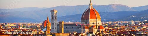 Foto Florenz, Italien: Blick auf den Dom im Stadtzentrum