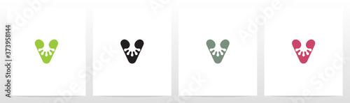 Fotografiet Gecko Feet On Letter Logo Design V