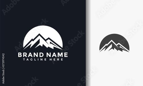 Fototapeta silhouette mount logo
