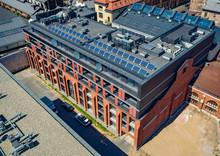 Panele Solarne Na Dachu Budynku
