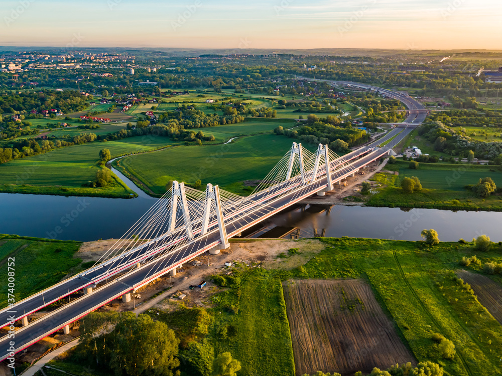 Fototapeta most na rzece i panorama miasta