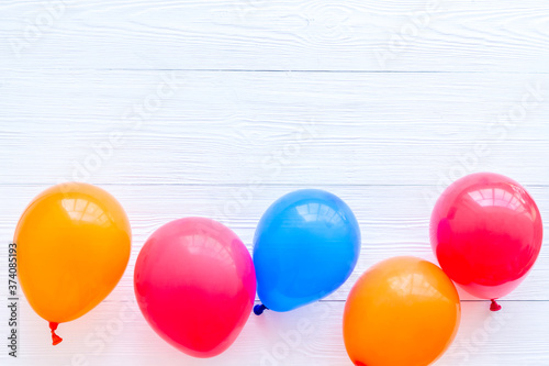 Tela Flat lay with ballons - party concept - on white background top-down copy space