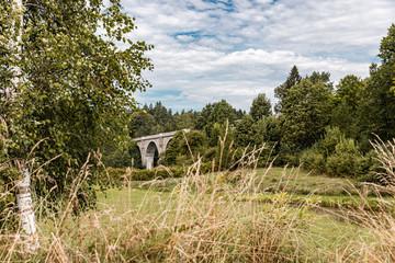 Mosty w Stańczykach przypominające rzymskie akwedukty.