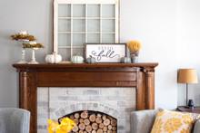 Stylish Fall Decorations On The Mantel
