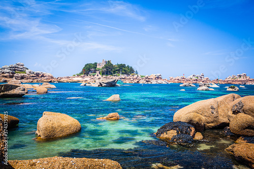 Fototapeta Rocks and small islands in the bay of Perros-Guirec, Brittany, France