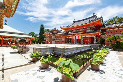 耕三寺 本堂 -日本各地の古建築を模して建てられた堂塔が建ち並ぶ- Wallpaper Mural