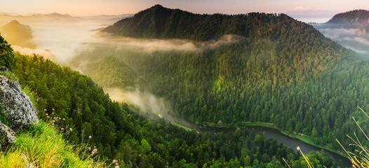 Fototapeta Góry Wschód Słońca w Pieninach, Sokolica