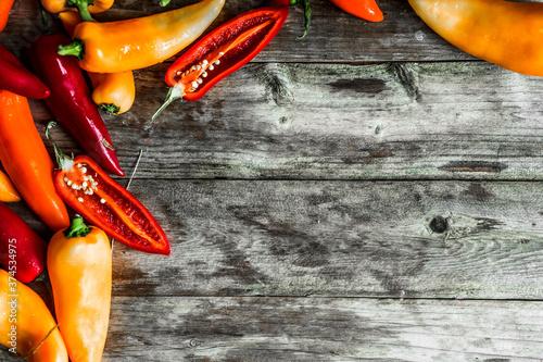 Fototapeta Variedad de Mix de chiles picantes colores Rojo y Naranja