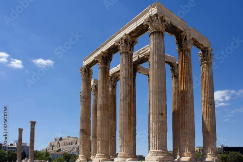 Photo the Temple of Olympian Zeus, Athens