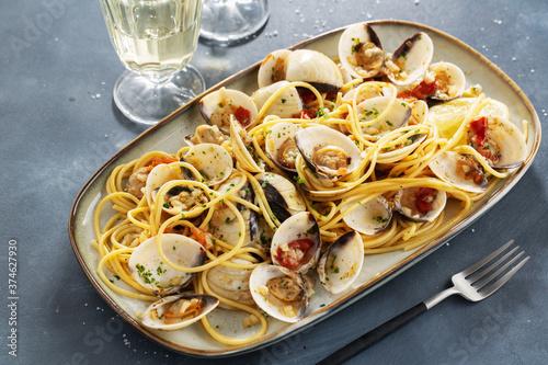 Fényképezés Freshmade clams alle vongole with pasta