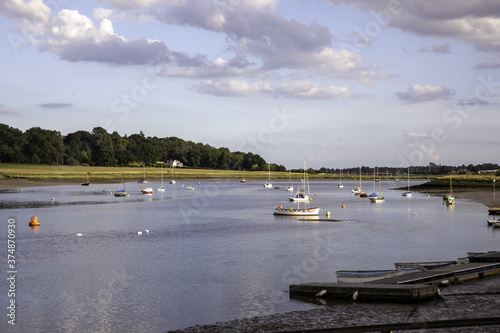 Obraz na plátně Beautiful shot of Deben river scenery located in Suffolk, England
