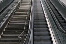 Escaleras De Metro