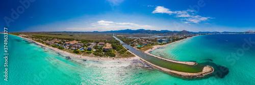 Fotografiet Aerial view of a coast line with beach in playa de Muro, Mallorca, Spain