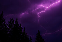 Powerful Lightning Bolts In Th...