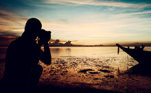 Landscape Photographer Shootin...