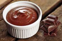 Food: Chocolate Mousse In A White Bowl With Pieces Of A Chocolate Bar