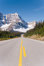 The Icefields Parkway, Rocky M...
