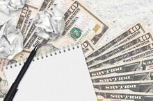 10 US Dollars Bills And Balls ...