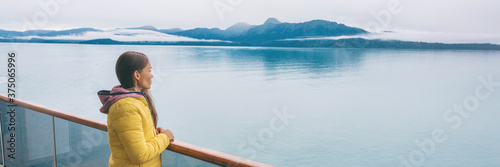 Fotomural Alaska Glacier bay cruise ship travel tourist looking at icebergs inside passage from balcony deck view Scenic cruising vacation destination panoramic banner