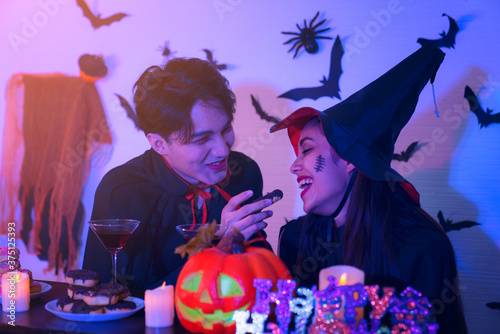 Young Thai People in Costumes Celebrating Halloween Slika na platnu