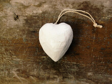 A White Heart Shaped Holiday L...