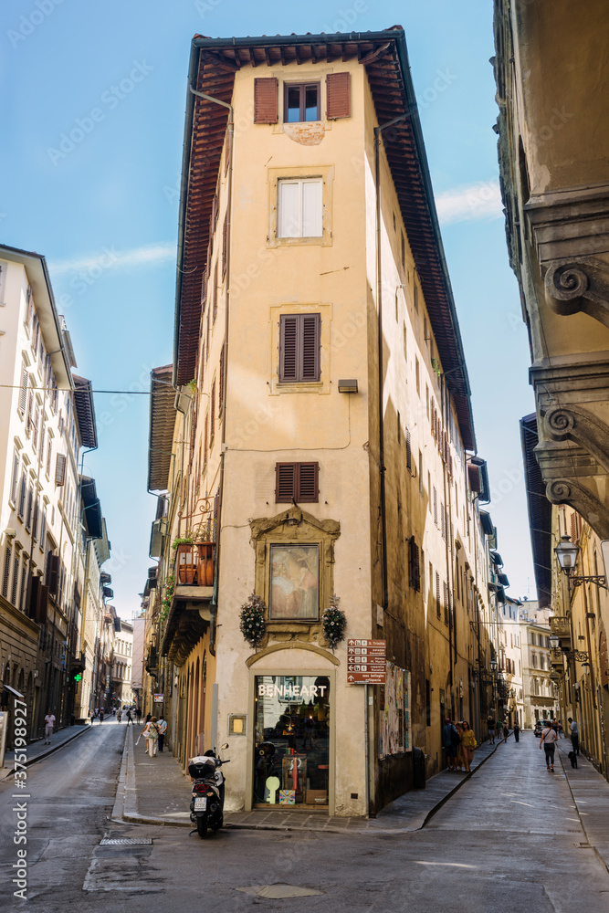Alleys, buildings and shops in the historic center of Florence