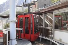 La Télécabine De La Mer De Glace, Système De Transport Par Câble, Ville De Chamonix, Département De Haute Savoie, France