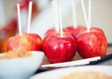 Apples: Ready To Put Caramel O...